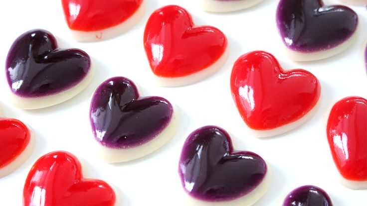 These have just as much bounce as regular gummies, but look like hearts! The colourful top layer is made with jello and the white base is made with condensed milk!