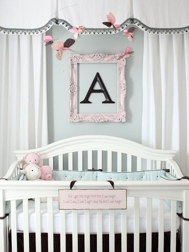 Cute frame and letter above the crib: Frames Letters, Bedrooms Design, Soft Colors, Baby Girls, Baby Rooms, Girls Nurseries, Frames Initials, Kids Rooms, Baby Nurseries