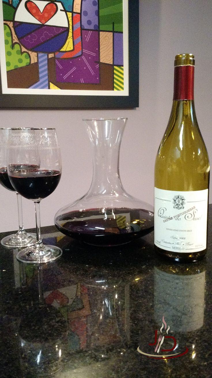 Quinta do seival castas portuguesas é um vinho brasileiro com alma portuguesa. Produzido com duas uvas tradicionais portuguesas este é um grande vinho brasileiro.