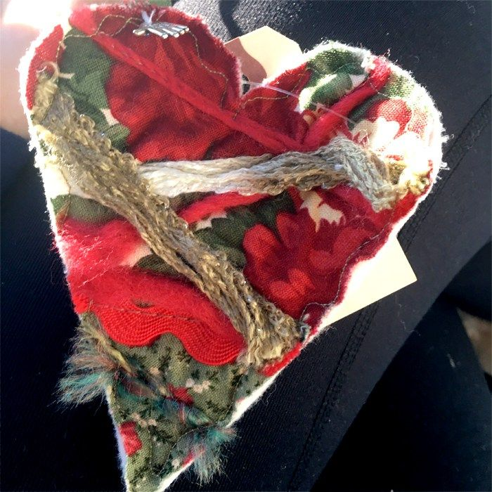 I found this beautiful quilted heart near Blackhawk grill restaurant in Danville, Ca. My husband and I were just finishing our New Years celebratory lunch with our beloved 7mo old daughter Scarlett Grace. It was a perfect ending to our celebration! #ifaqh #ifoundaquiltedheart