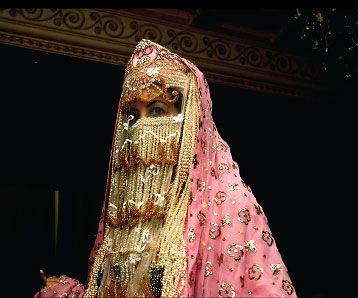 Saudi Arabia | Bride from the Western Region of Madinah | © Mansoojat Foundation