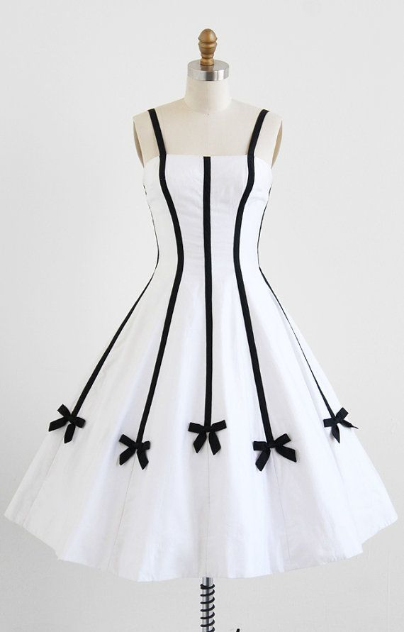 1950's Sweetly Pretty White Dress with Black Bows