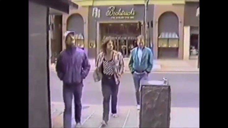 HUSKER DU - Love is all around (Mary Tyler Moore Theme)-Minnepolis, not Cleveland Rocks!