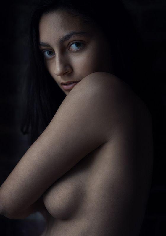 Alyssia / Portrait  Photographer: gzegosch / http://strkng.com/s/3b7  Belgium / Brussels    #Portrait #Belgium #Brussels #bestof #international #contemporary #photography #strkng #picoftheday