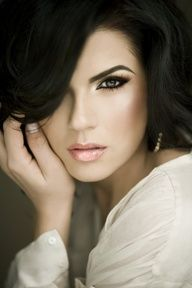 """Makeup for brunettes"""" data-componentType=""""MODAL_PIN"""