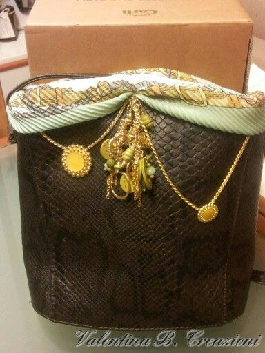#Bag #refashioning with foulard, chains, charms and buttons