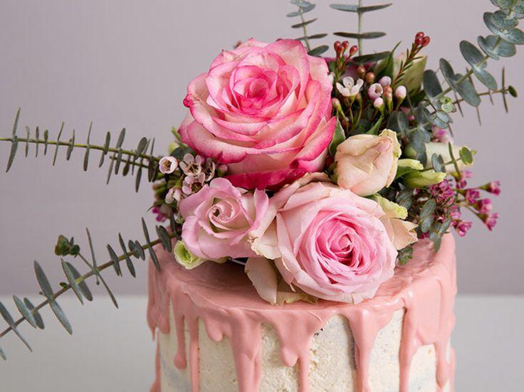 Tutoriel DIY: Faire un Naked Cake orné de fleurs et d'eucalyptus via DaWanda.com