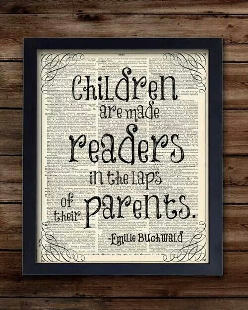 Children read in parents' laps