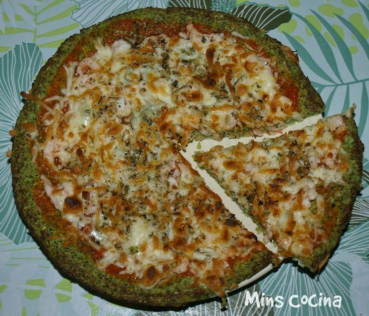 Mins cocina: Pizza con masa de brócoli - gambas y gorgonzola