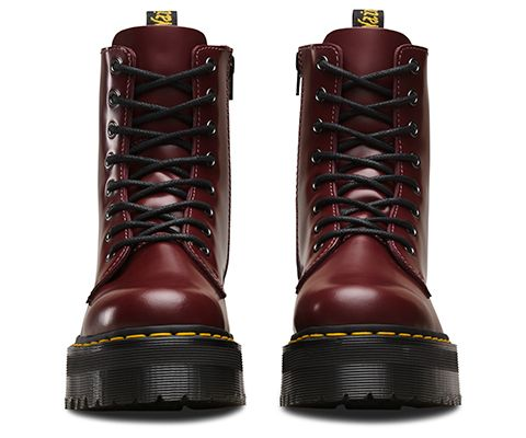 Picking up on the 1980s Rewind theme, the Quad Retro Jadon boot boldly perches a classic upper atop a thick, towering sole which sandwiches PVC and EVA to vertigo-inducing new heights. The Jadon deftly mimics elements of military with rave and utilitarian with clubbing. To finish the look, there's an inside zip, metallic eyelets and our famous yellow stitching. 8-Eyelet Boot Inside Zipper Quad Retro, extra thick sole Dr. Martens air-cushioned sole, oil and fat-resistant, good abrasion and...