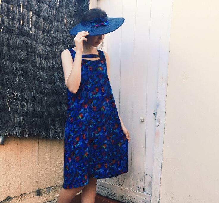 Vestido estampado con tulipanes azules #Design #InstintoBcn #rayon