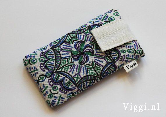 Handgemaakt iPhone 4 hoesje met handmade mandala door Viggisleeves #textiel #fabric #textile #marker #drawing #tekenen #stof #telefoonhoesje #iphone #iphone5 #velcro #klittenband #telefoon #diy