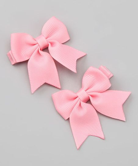 Between the parties and the play dates, little Princesses need accessories. This set of alligator-style bows clip comfortably into hair for fun and fancy fashion.These can be added to any dress wear f