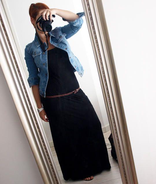 Deze update stond gisteren ook al even online, dat was een fout! Dus als je hem al gezien hebt kan dat kloppen :) Ik vond maxidresses, die lange jurken tot op de grond altijd al heel leuk, maar dan bij anderen. Ken je dat? 'Leuk, maar niet bij mij.' Tot ik in de Zara een heel strak, simpel model zag. Dát past wel bij mij. Die grote zwierjurken met frutsels, franjes en kleurtjes zijn niets voor mij, maar een simpele [...]