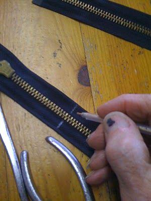 Comment diminuer et couper une fermeture à glissière, séparable.