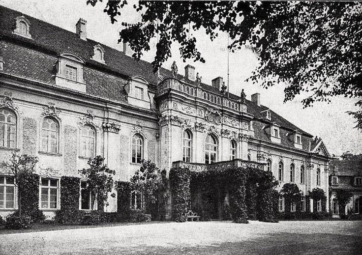 Goszcz (powiat Oleśnica) Europejska perła rokoka z 1755 roku. Pałac porównywany z architektonicznymi znakomitościami Drezna i Poczdamu. Olśniewał fantastycznym wyposażeniem i wystrojem.