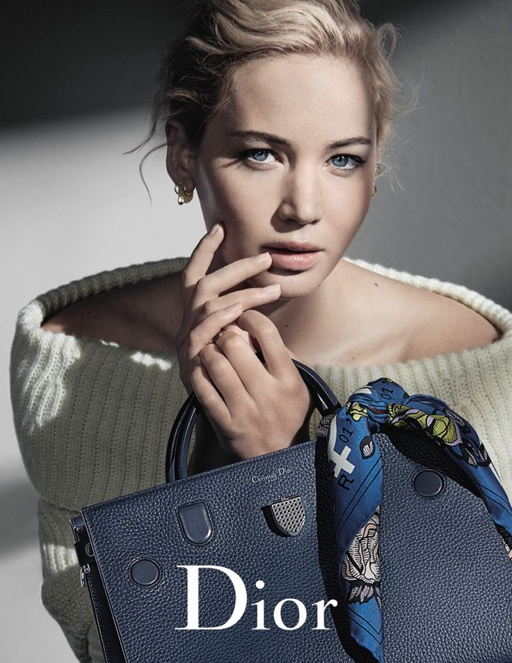 Jennifer Lawrence looks cozy in off-the-shoulder sweater for Dior's fall 2016…