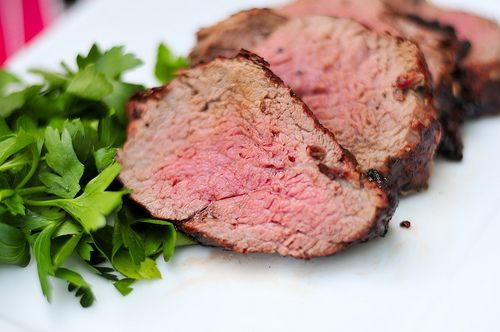 how to perfectly cook a beef tenderloin on the grill