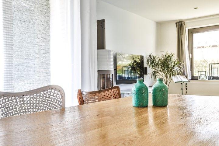 Tischplatte Massivholz Baumkante ~ MÖBELLOFT Wildeiche Massivholz Tischplatte mit Baumkante in einer