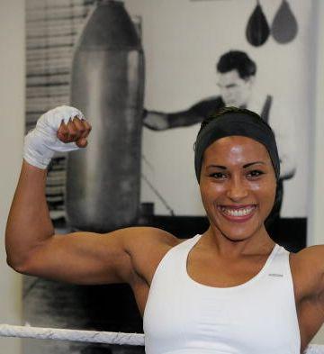 Cecilia Braekhus #flex #biceps #girlpower
