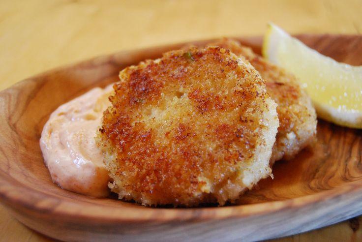 Croquettes de poisson et mayonnaise épicée