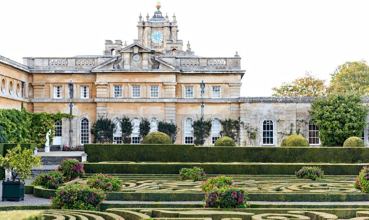 The Italian Garden at Blenheim Palace. A nice day trip from London.