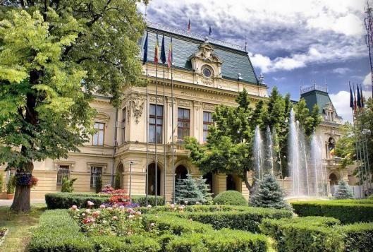 Palatul Roset-Roznovanu Iasi Romania primaria