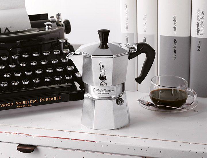 Simple Bialetti Moka Express Seit ein Design Klassiker um schnell eine Tasse Espresso daheim zu