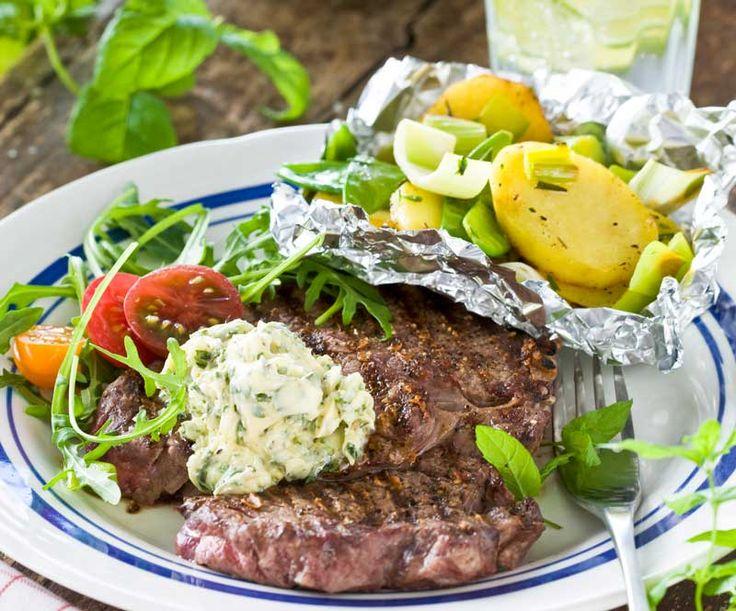 Grillat kött med potatispaket