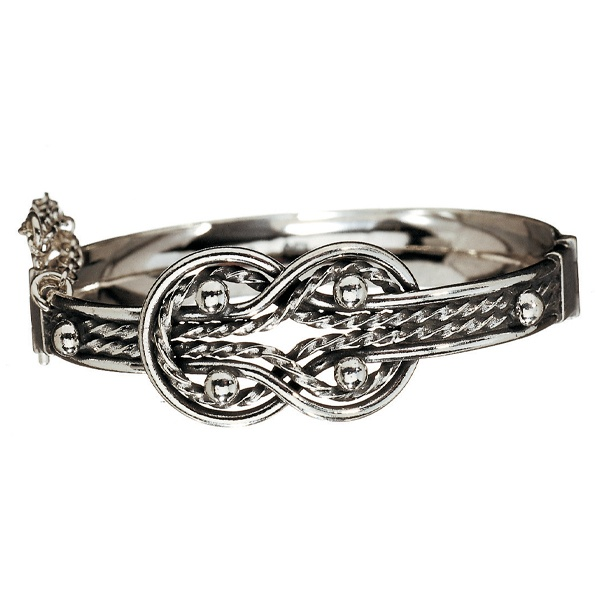 Kalevala Jewelry, Finland.   This bracelet features the same pattern we've been seeing in cord bracelets.