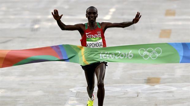 Bajo la lluvia carioca, el keniano Eliud Kipchoge ganó el maratón olímpico; cómo terminaron los arge - JJ OO Río 2016 http://befamouss.forumfree.it/?t=72901000