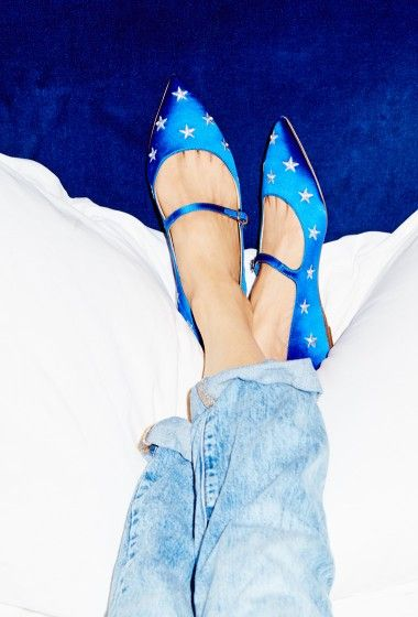 Trying on Shoes With Eva Chen – J.Crew Blog