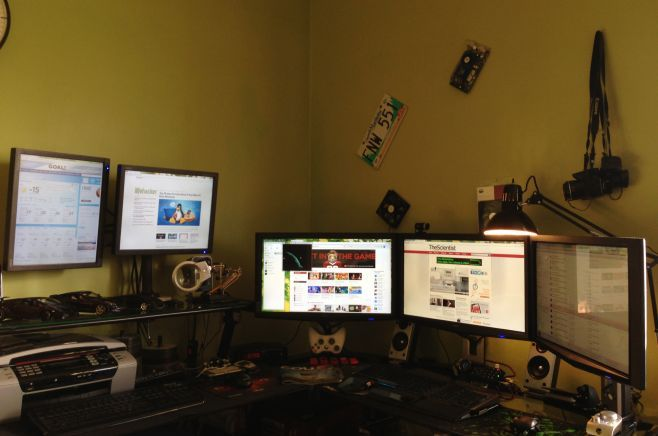 My name is Felix, and this is my workstation!
