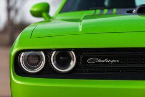 Двигатели Chrysler устанавливают и в такие мощные автомобили, как Dodge Challenger