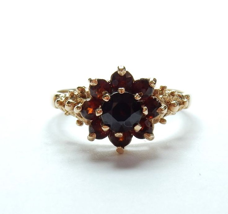 Vintage London 1977 9 Carat Yellow Gold Garnet Daisy Flower Cluster Ring 2.5g #Cluster