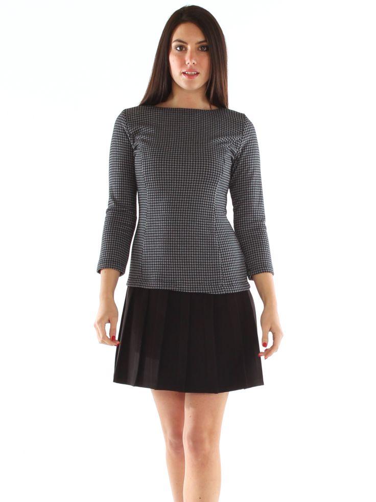 Pied de poule patterned stretch jersey dress with pleats http://www.luanaromizi.com/en/dresses-woman/pied-de-poule-patterned-stretch-jersey-dress-with-pleats.html #Piedde oule #patterneddress #stretchdress #jerseydress #pleats #dress #boutique  #fashion #style #madeinitaly