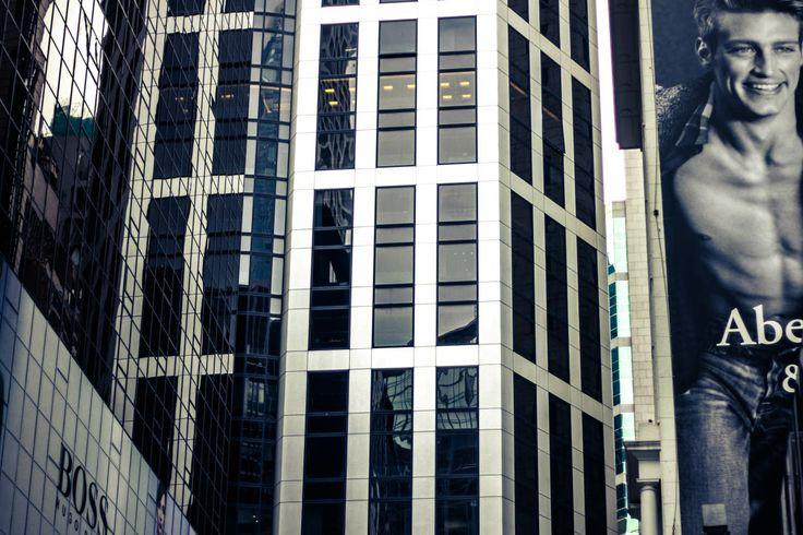 #hongkong #skyscraper #city #contemporary #modern #architecture #view #street