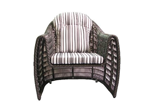 Bequemer Sitzkomfort, kombiniert mit elegantem Design und einer offenen Flechtung. Dieser Sessel wird sie begeistern. Ein echter Hingucker für den gehobenen Anspruch.  Ein besonderes Extra bei nuloox:  Kombinieren sie Tisch und Stühle, beliebig in verschiedenen Farben, ganz nach ihren Vorstellungen.  Lassen sie ihrer Kreativität freien Lauf.   [nju:-luks] = new looks - lifestyle goes outdoor!