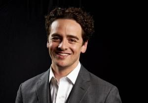 Vincent Piazza walked like a man as Four Season founder Tommy DeVito in 'Jersey Boys'