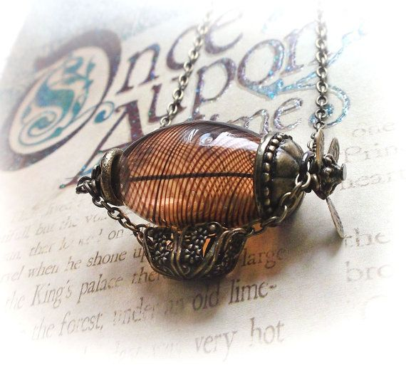 Zeppelin necklace, hot air balloon necklace, flying machine steampunk necklace, steampunk jewelry