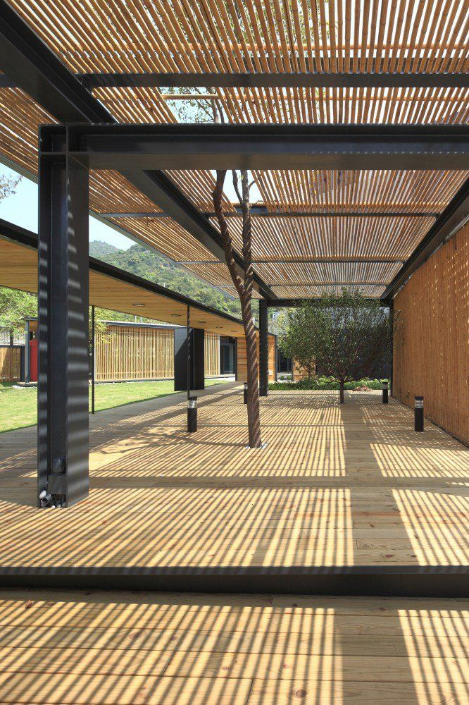 Community Green Station / Hong Kong Architectural Services Department