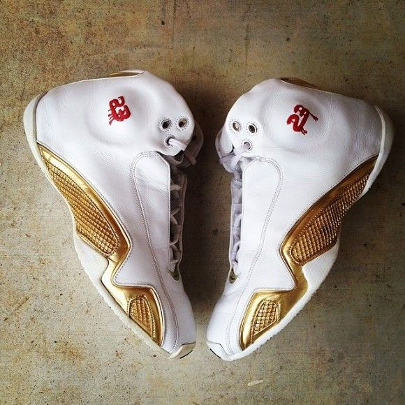 air-jordan-21-premio-bin-23-customs-by-fresh-insouls