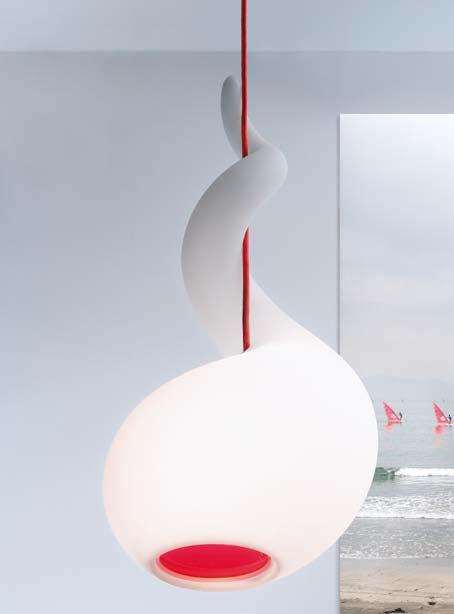 De Alien hanglamp van Next design - http://www.verlichtmeubilair.nl/merken/next/alien-hangend.html