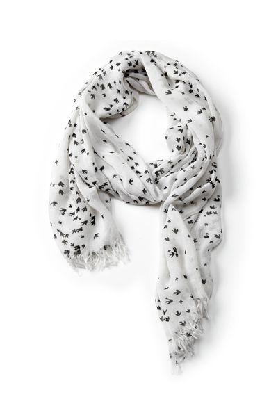 White scarf with bird print / Foulard blanc à motif d'oisillons #ReitmansJeans #BirdPrint #PutAbirdOnIt #Romantic #Romantique #Birds #Oiseaux #imprimé
