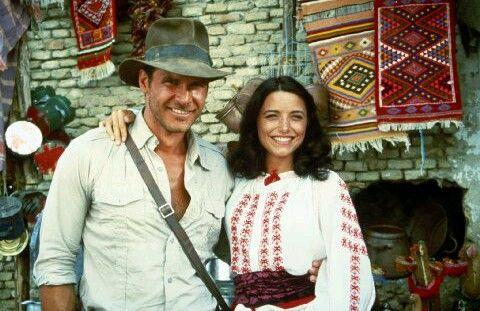 Indiana Jones (Harrison Ford) & Marion Ravenwood (Karen Allen) - Raiders of the Lost Ark (1981)