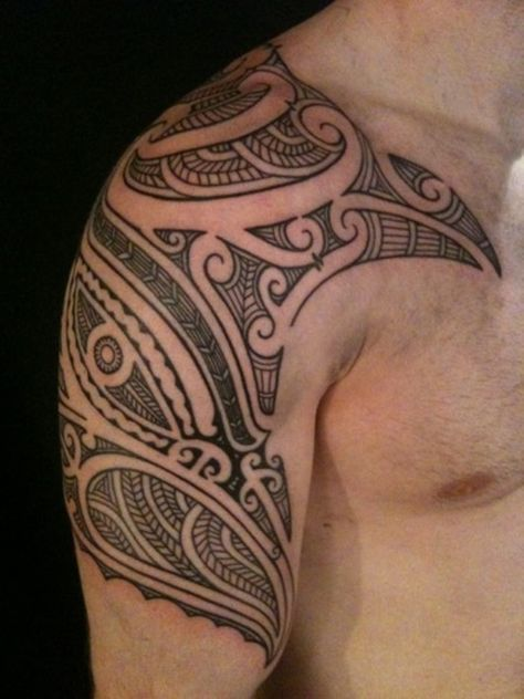 40 Schulter Tattoo-Ideen für Männer und Frauen   http://www.berlinroots.com/schulter-tattoo-ideen-fur-manner-und-frauen/