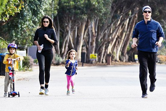 Matthew McConaughey and his wifey Camila Alves, both in sweet shades, embarked on a family workout session with their adorable kiddies!Crossfit Kids, Families Workout, Adorable Fit, Adorable Kiddie, Camila Alves, Famous Life, Celebrities Kids, Kids Levis, Celebrities Babyrazzi