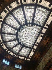 Rompere il soffitto di cristallo è questione di organizzazione http://www.elenaferro.it/rompere-il-soffitto-di-cristallo/