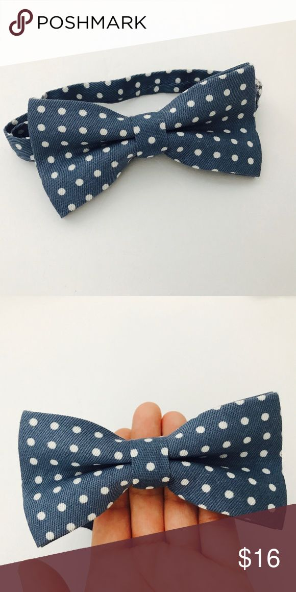 Denim bow ties, polkadot bow ties, men's bow ties Super adorable men's or kids light blue den bow ties with polka dots. One size fits most, it has adjustable neck tie Accessories