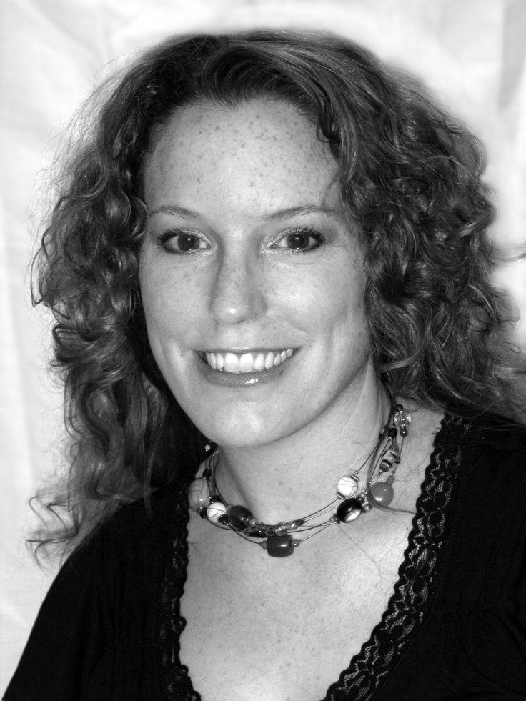 Interview with Author – Heidi Loney @HeidiLoney